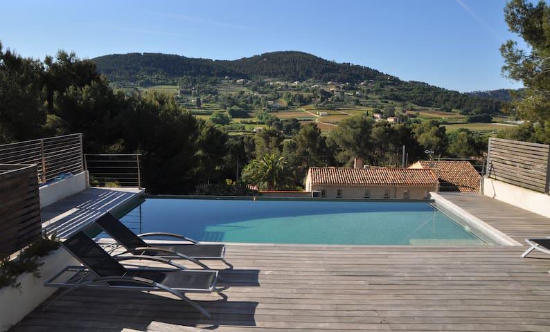 Villa avec piscine à débordement - La Cadière-d'Azur - Huis