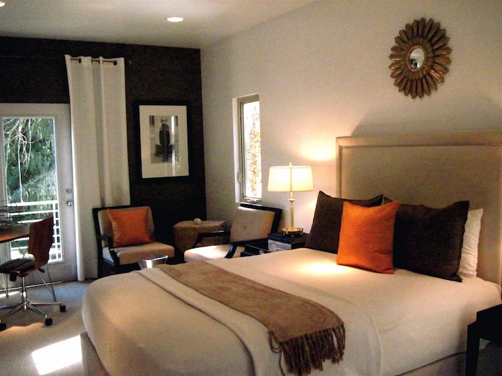 Furnished Bedroom /Hollywood Hills -HSR19-004287