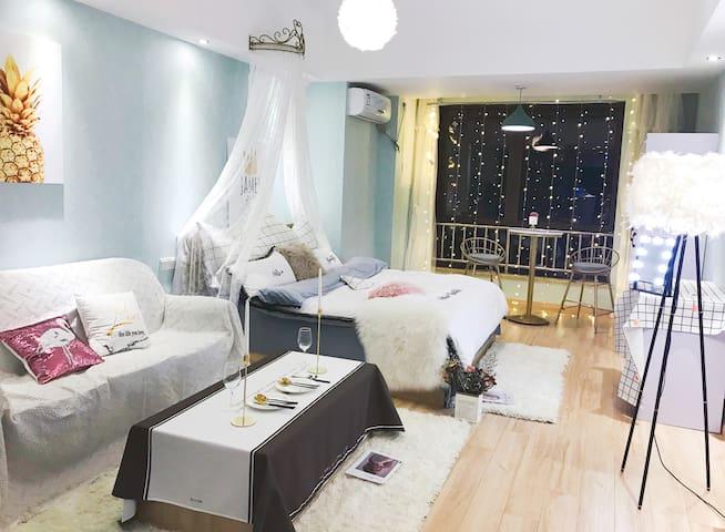 [万达茂]【水上乐园游乐场][地铁口]马卡龙浪漫观景大床房