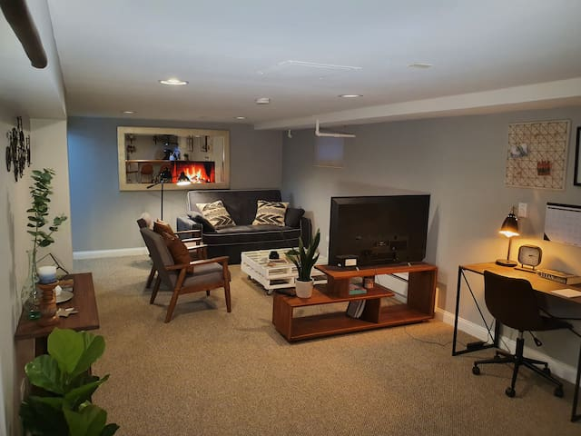 Apartment by Christ Hospital in Oak Lawn