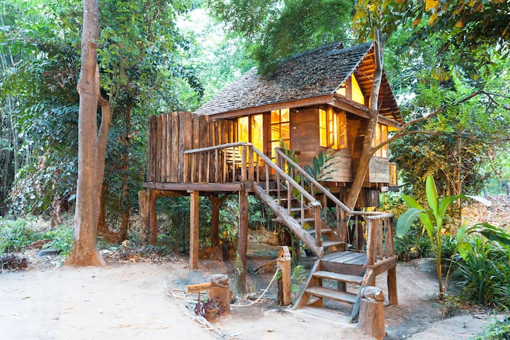 Riverview/Rimtarn cottage Treehouse