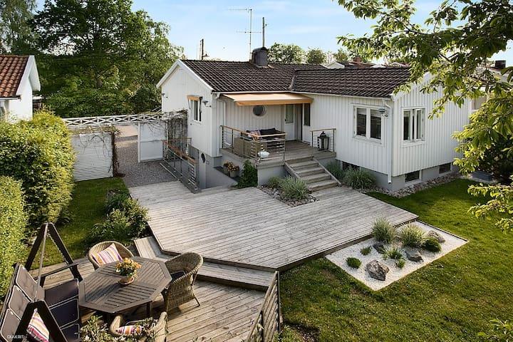 Charmigt hus nära Stockholms City