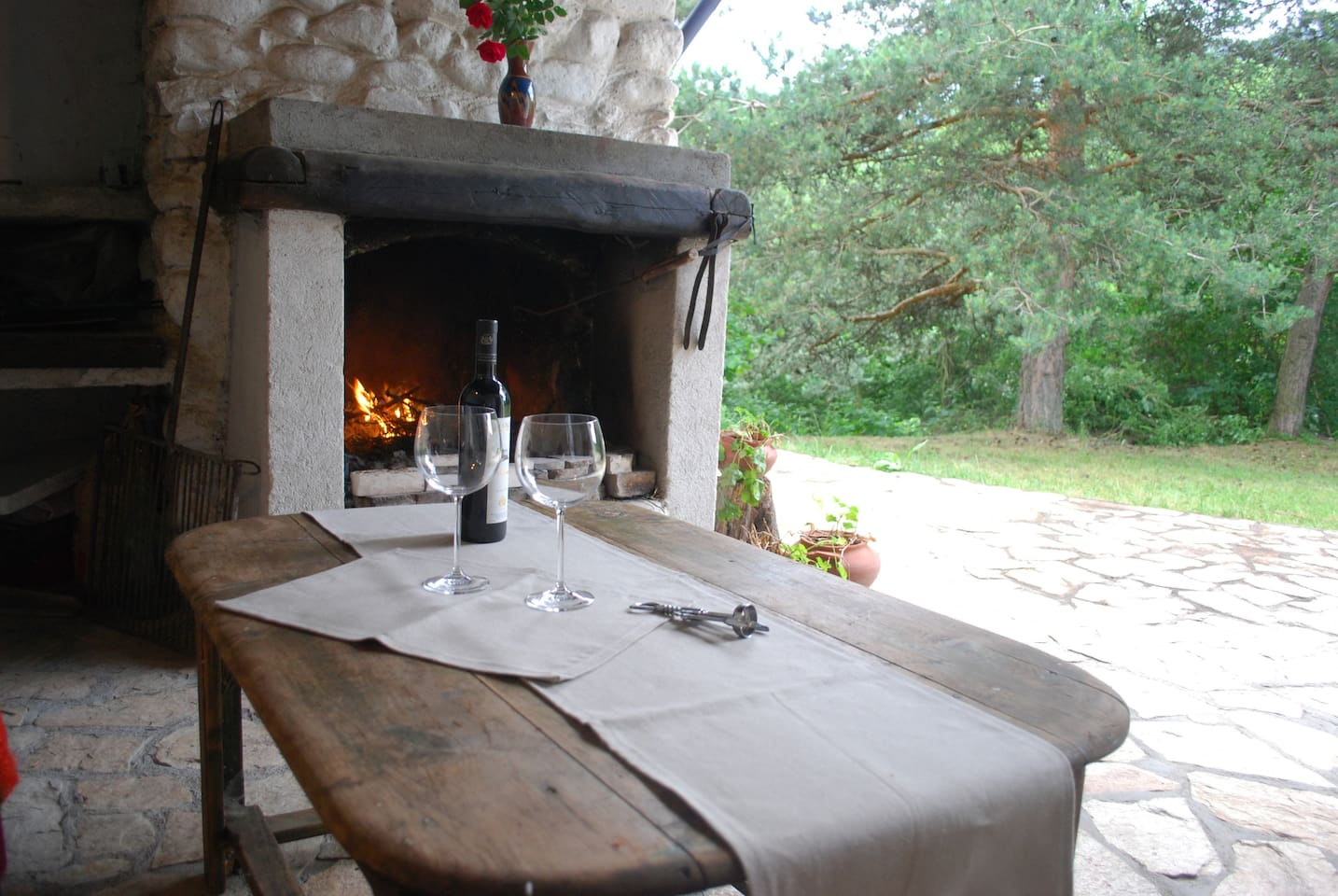Cover terrasse with fireplace - nice for barbeque