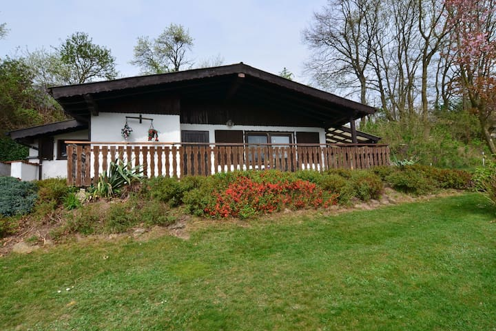 Cozy Holiday Home near the Forest in Großropperhausen