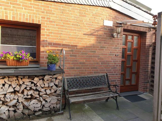 Ruhiges Appartement mit eigenem Bad und Eingang