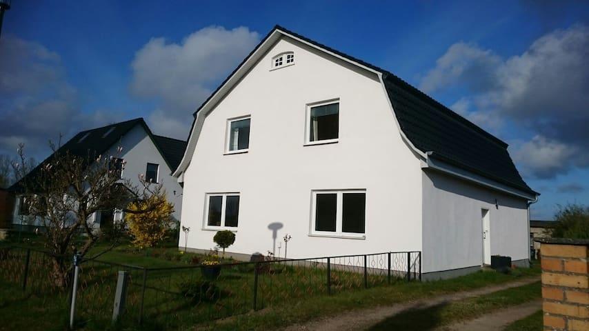 Schöne Ferienwohnung in Sehlen - Sehlen - Appartement