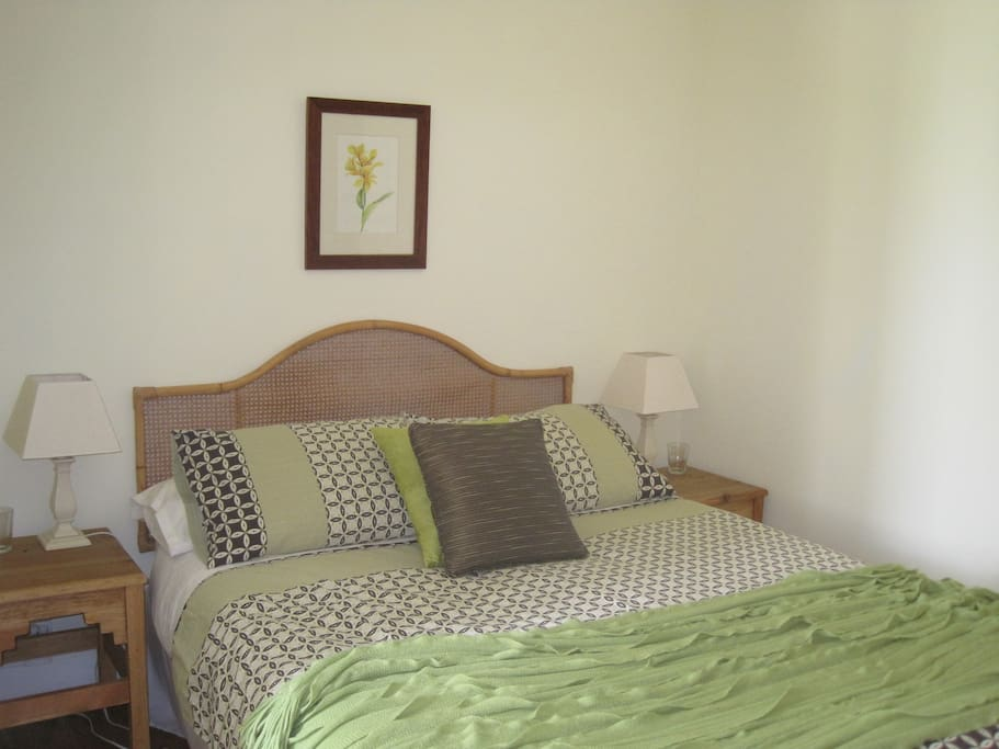 Daisy Room, double bed, shower room, tea and coffee facilities.