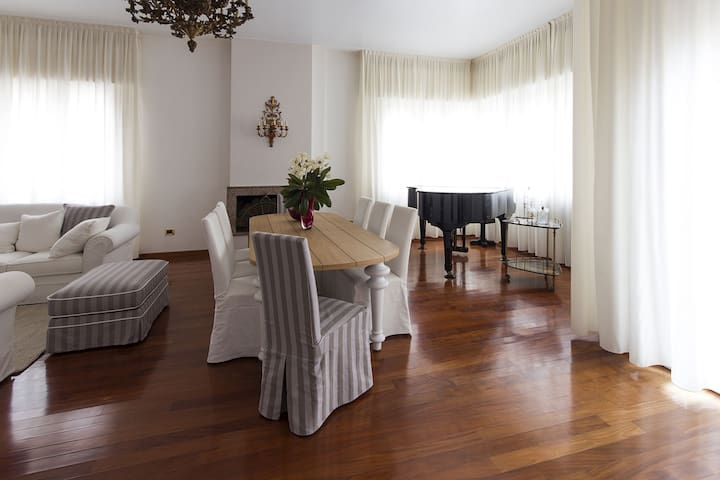 Grande Bellezza e Ospitalità 2    - เวนิซ - ที่พักพร้อมอาหารเช้า