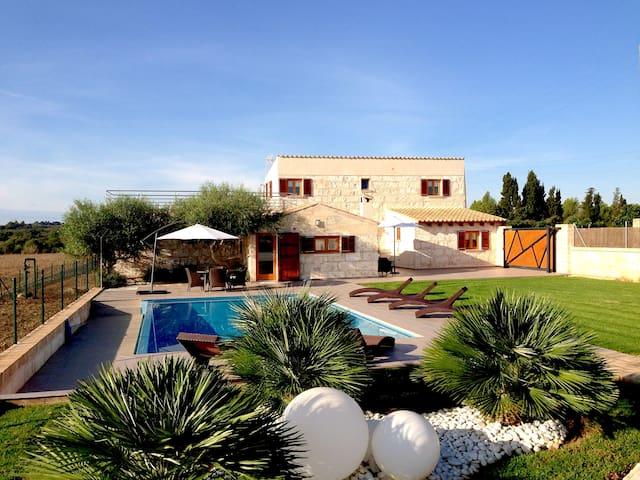 Finca Vinagrella - Muro - Villa