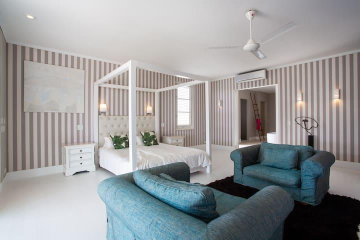 Bedroom 1 Masterbedroom