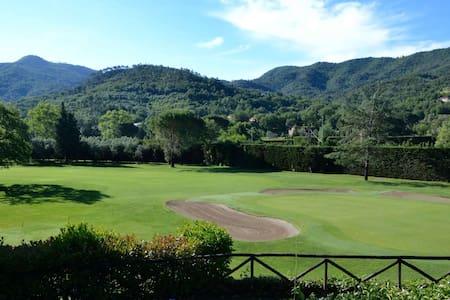 Casa nel verde del golf nell'entroterra di Alassio - Garlenda - Ház
