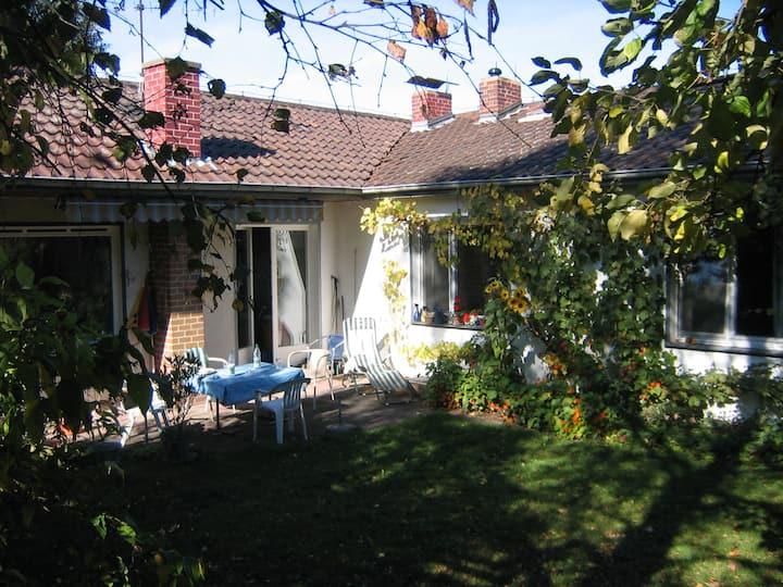 Ferienhaus mit wunderschönem Naturgarten