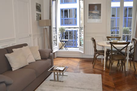 Apartment of 646 sq. ft. at the foot of Montmartre