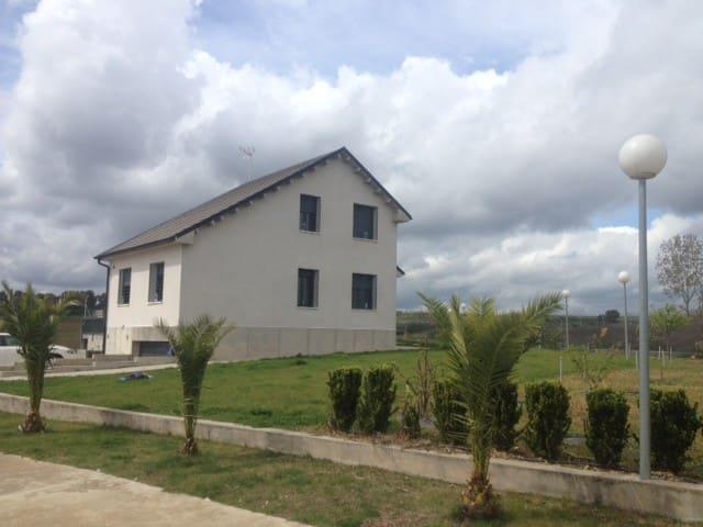 Chalet con piscina Valdefuentes - Montehermoso - House