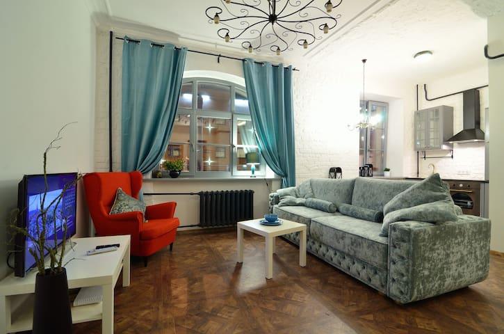 Студия-лофт со спальней у вокзала - Минск - Apartamento