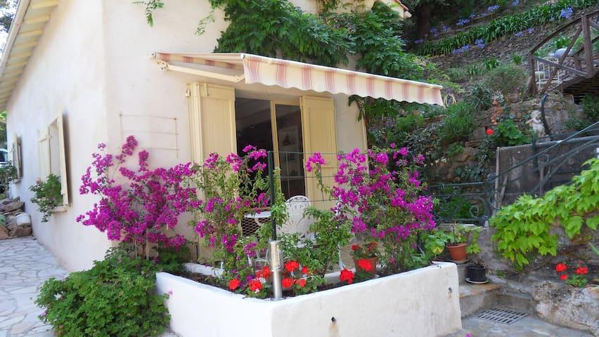APPART-LITTLE HOUSE CLOSE THE BEACH - Théoule-sur-Mer - Dům