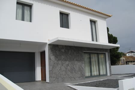 House 5 minutes walk from beach  - Vila Baleira - Talo