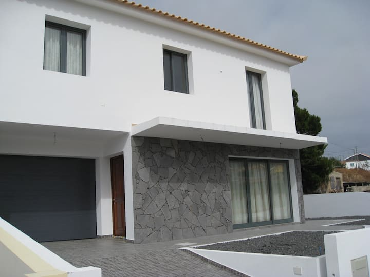House 10 minutes walk from beach
