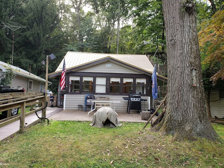 Rock falls park camp house -  4 min from SRU