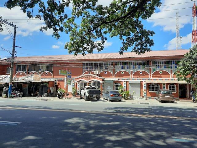 Antipolo Budget Hostel, Family Rm. 4-8pax AC, tnb
