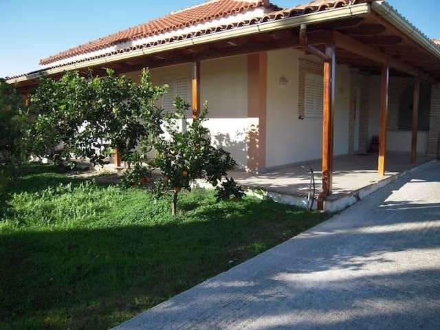 Two bedroom house in Kalamaki - Zakinthos - บ้าน