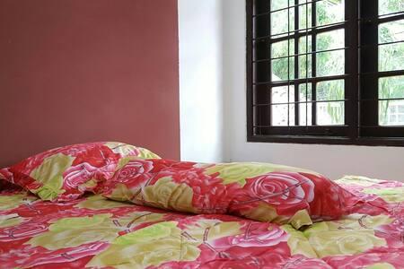 #1 Cozy Tropical Home - Jakarta Selatan