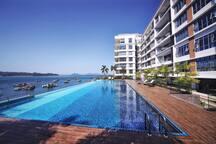 伴客家@超美一室一厅公寓,无边海景游泳池