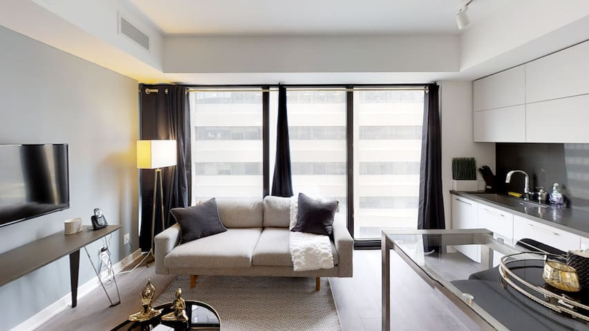 Luxury New Yorkville fully furnished one bedroom