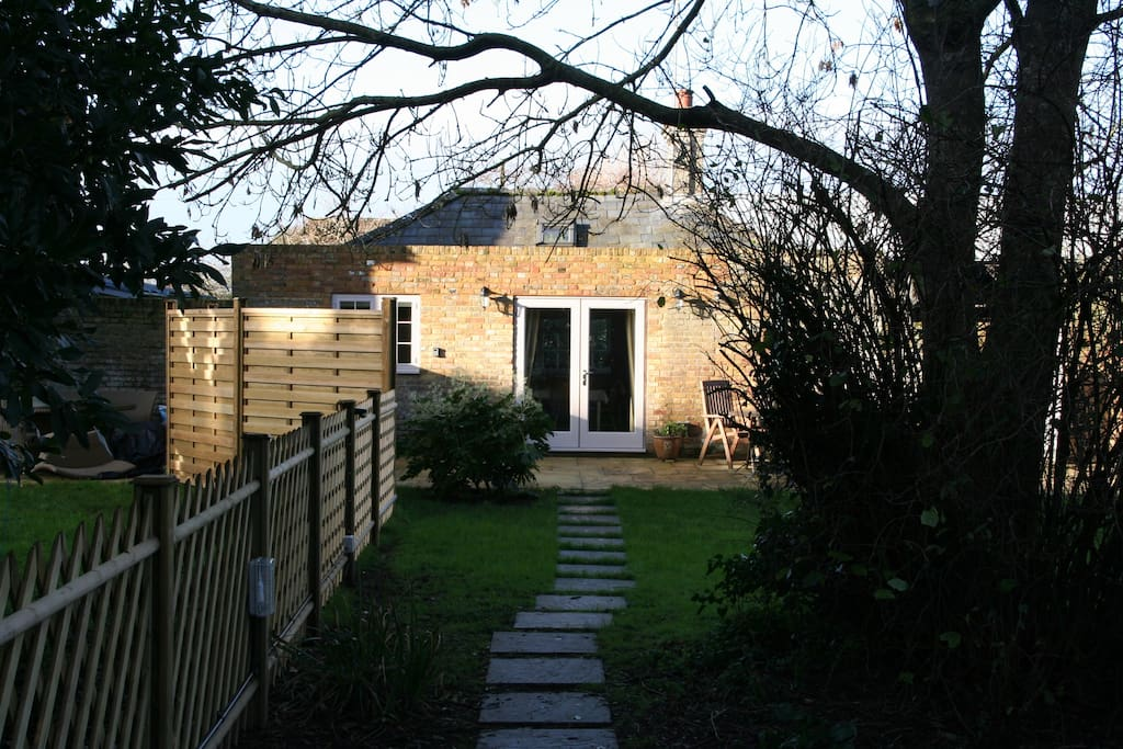 Garden and access to the property