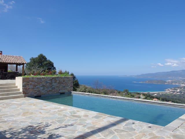 Villa avec piscine chauffée, vue mer et montagne - Calcatoggio - Villa