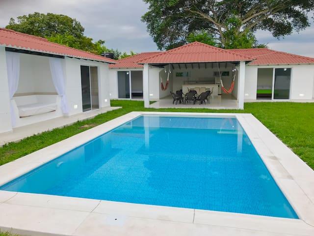 B Villa Campestre con piscina