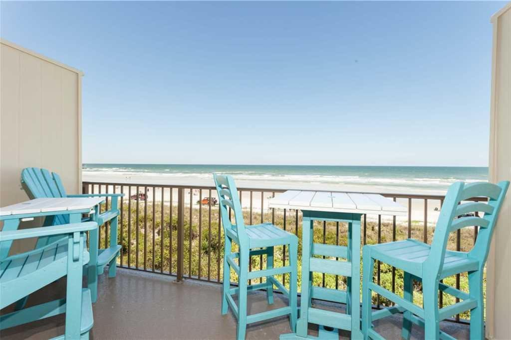 The beachfront balcony brings you rock-star seating! - The sunrise happens right before your eyes from the balcony of our condo,
