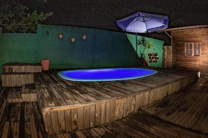 Casa C/PISCINA churrasqueira espaçosa sul da ilha