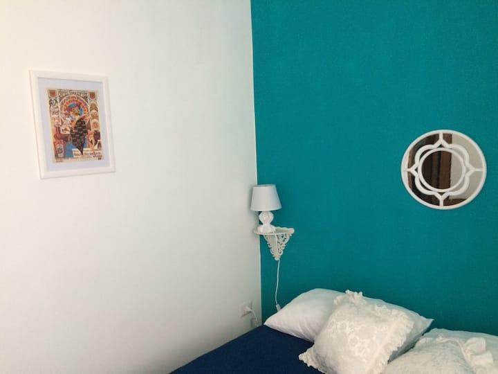 Blue Room vicino viale Taranto