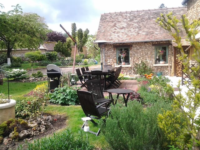B&B Charming house near Giverny - Saint-Pierre-de-Bailleul - Casa