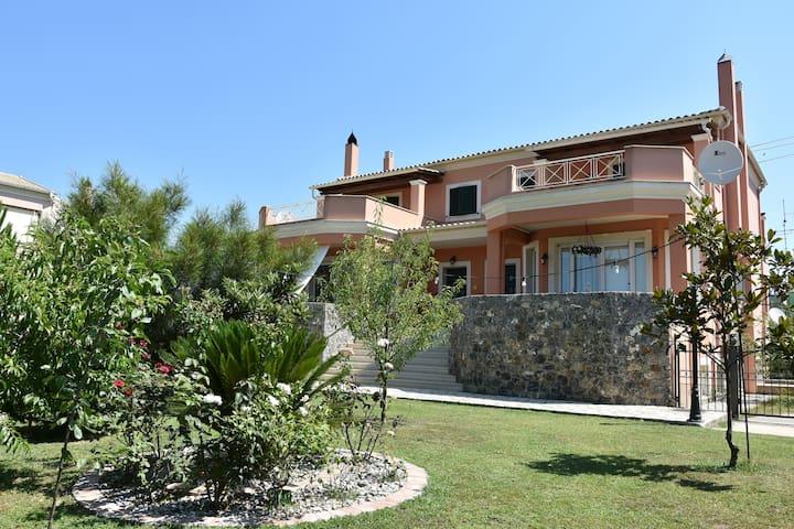 Bella's Home A - Near Corfu town