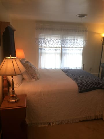 Merri Mac Inn (Leslie's Room) - Whiteville