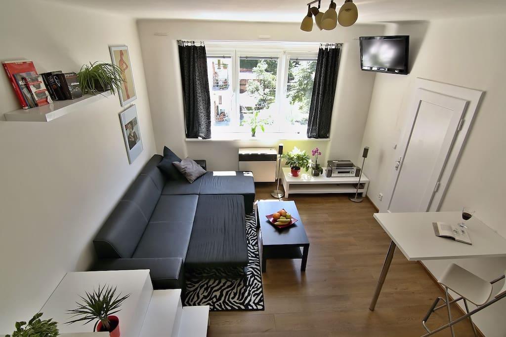 Main bedroom bed view