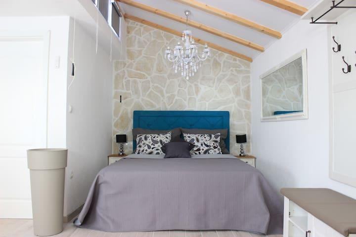 Authentic Dalmatian stone house in Center
