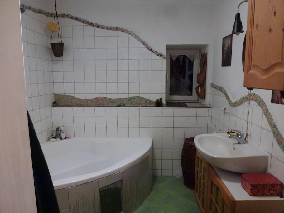 Das gemeinsam genutzte Badezimmer