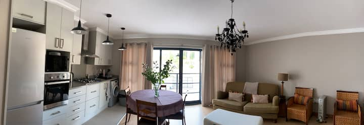 Apartment 51B, in secure boomed area with WiFi