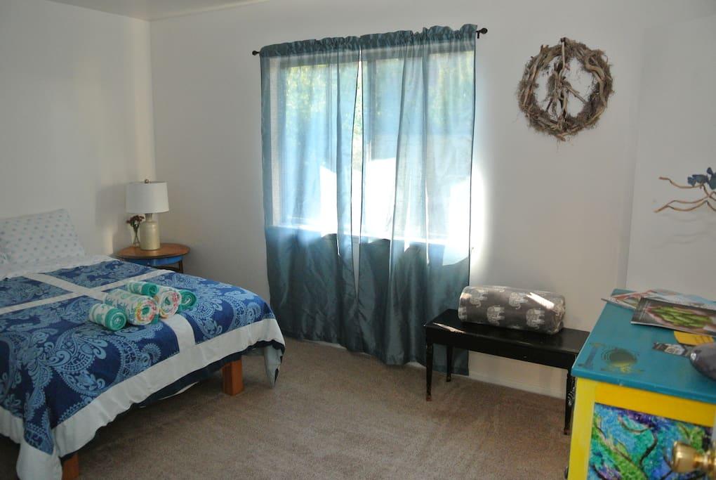 Bright & sunny room.