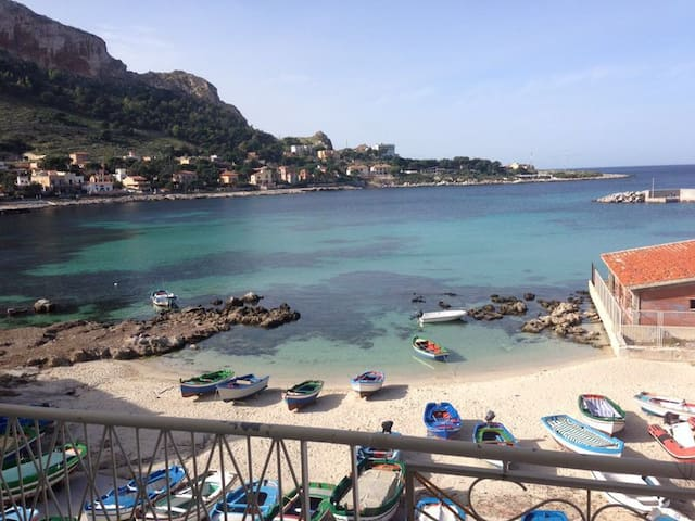 Lovely BARCARELLO b&b beach front 1 - Palermo - Bed & Breakfast