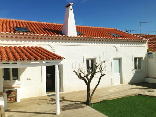 Lovely beach house near Ericeira - Assenta - บ้าน