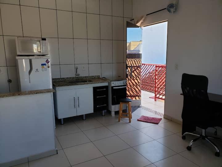 Kitnet n3 c/mobília básica 150m da Unesp Rio Claro