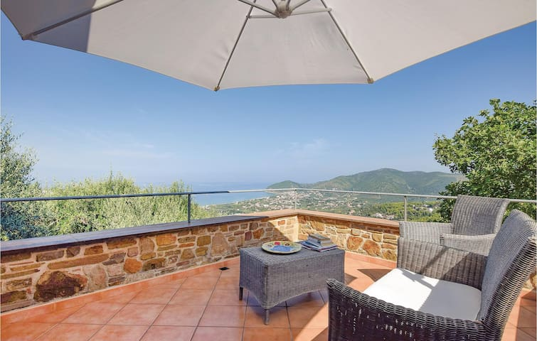 Holiday cottage with 2 bedrooms on 110m² in Castellabate