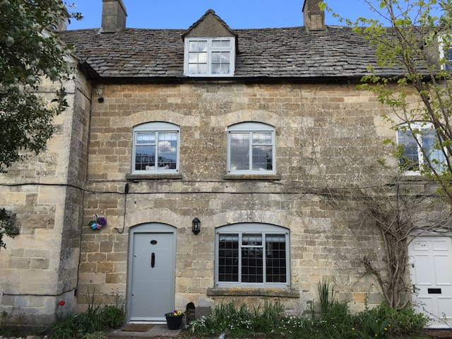 Cotswold Cottage, Minchinhampton - Minchinhampton