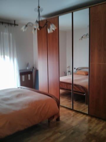 Camera da letto matrimoniale/Bedroom