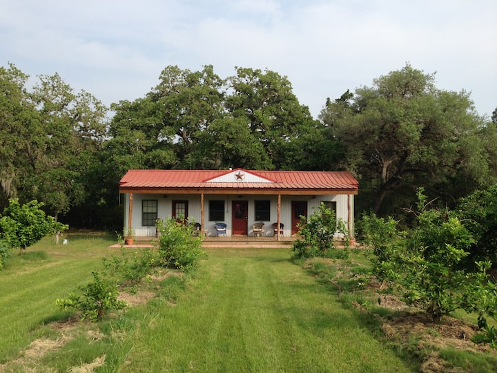 The Casita at Knopp Branch Farm (King Suite) Edna