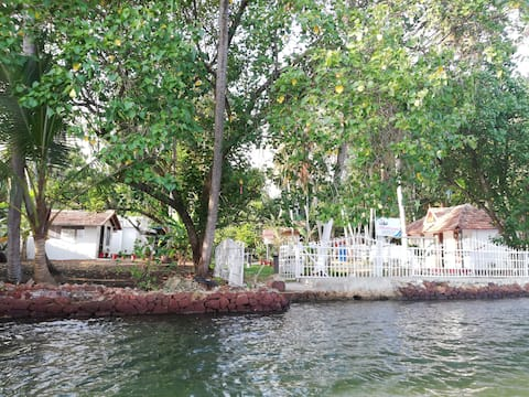 Ashtamudi Dream Stay